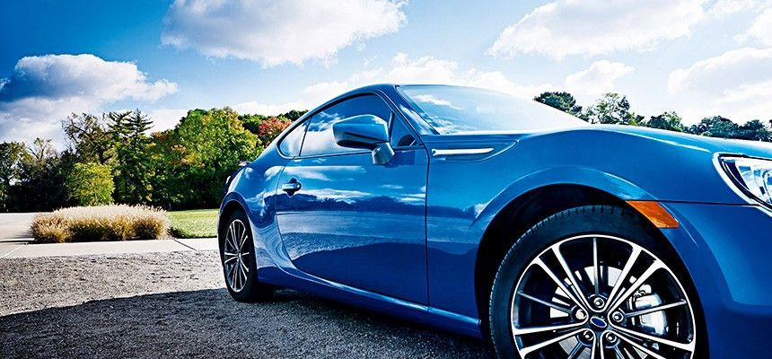 William Skilte tilbyder solfilm til biler, som kan afskærme dit bagsæde og baggerum. Fjerne effektivt UV stråler og varme fra din bil.